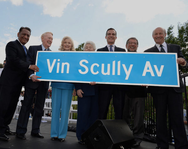vin-scully-avenue