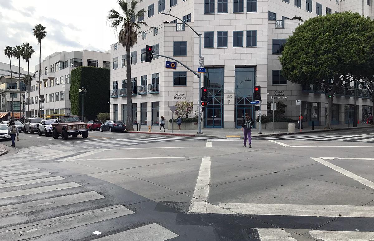 Santa Monica's brilliant solution for pedestrian traffic & crosswalks